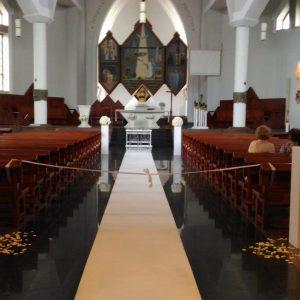 posumenty-białe-dekoracja-kościoła-lublin